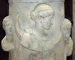 Selene-dea-della-luna-circondata-dai-Dioscuri-o-Phosphoros-la-stella-del-mattino-e-Hesperos-la-stella-della-sera-opera-romana-del-II-sec.-Musée-de-Louvre-Parigi.