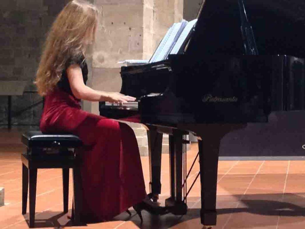 Beatrice-Venezi-4